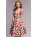 Платье ванильного цвета с цветочным принтом в ретро-стиле