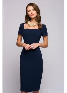 Темно-синее платье длины миди с короткими рукавами и вырезом