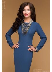 Синее платье с вырезом на спине и длинными рукавами