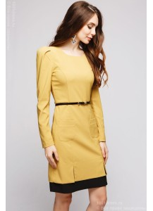 Платье цвета горчицы длины мини с черной отделкой и длинными рукавами