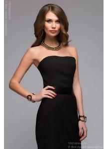 Черное платье-футляр с атласным поясом без рукавов