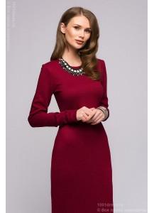 Бордовое платье из вязаного трикотажа с длинными рукавами
