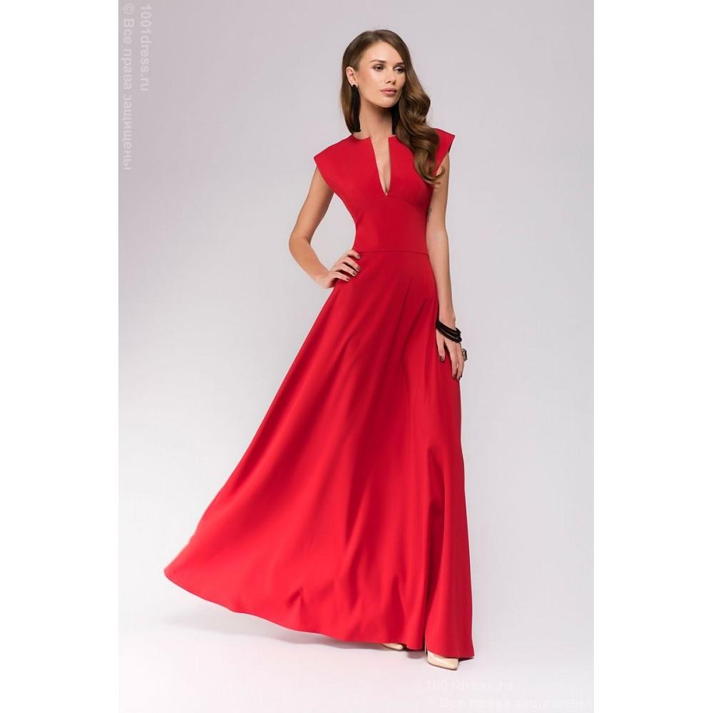 Вечернее красное платье с декольте