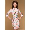 Платье нежно-розовое с принтом длины мини с белыми манжетами и воротничком