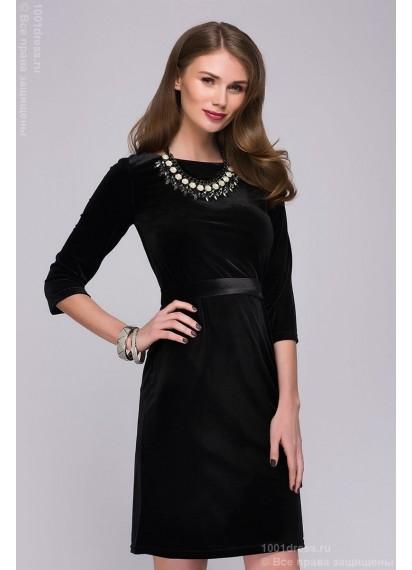Черное бархатное платье длины мини с вырезом на спинке