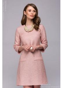 Платье персикового цвета длины мини свободного кроя с рукавами 3/4