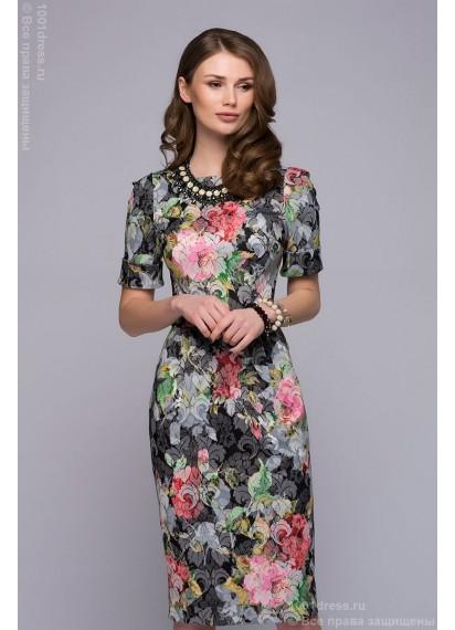 Платье-футляр черное с принтом и V-образным вырезом на спинке