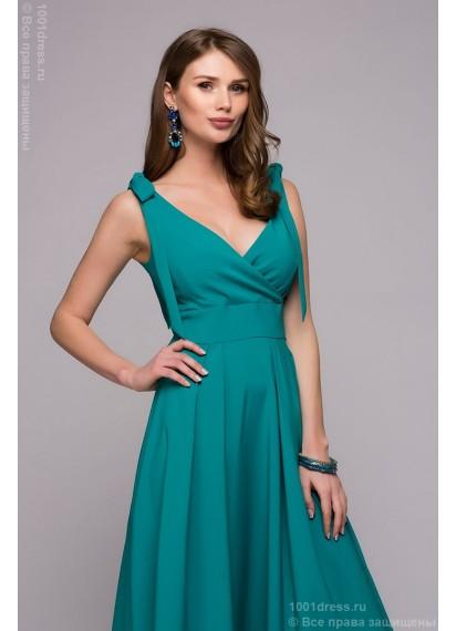 Платье бирюзовое длины миди с запахом и глубоким вырезом
